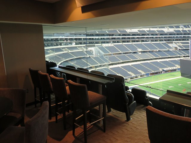 Suite 522 Seating/View